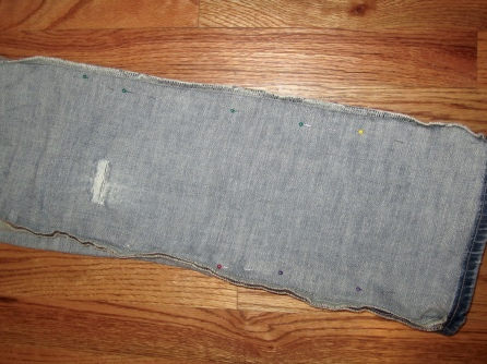 Old jeans to boyfriend jeans upcycle.